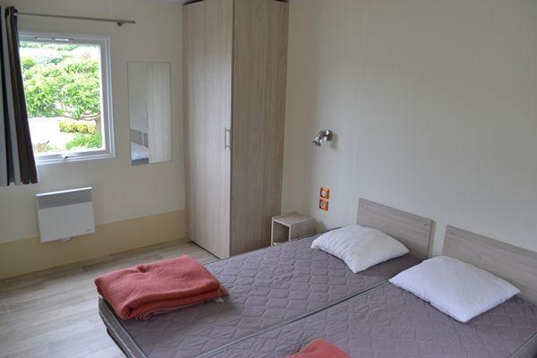 location mobilhome uhabia handi 4 pers 35m priorit aux d tenteurs d 39 une carte d 39 invalidit. Black Bedroom Furniture Sets. Home Design Ideas